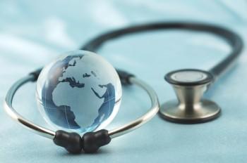 Valg af etableret klinik og kontrol af kirurgens kompetence